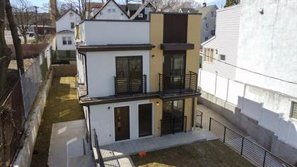 Multifamily for sale in 730 Bay Street, Staten Island, NY, 10304