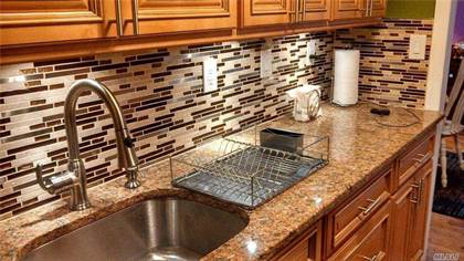 Residential Property for sale in 110 Brooklyn Avenue 3U, Freeport, NY, 11520