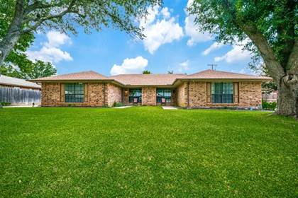 Multifamily for sale in 2810 Sarah Drive, Arlington, TX, 76013