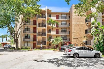 Residential Property for sale in 3590 Blue Lake Dr 304, Pompano Beach, FL, 33064