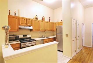 Townhouse for rent in 676 Jamaica Ave, Brooklyn, NY, 11208