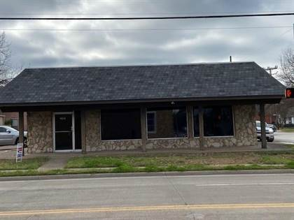 Commercial for sale in 209 N Rockwall Avenue, Terrell, TX, 75160