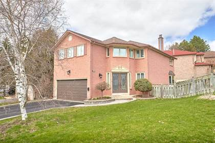 Residential Property for sale in 22 Breda Crt, Richmond Hill, Ontario, L4C6E1