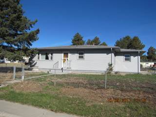 Single Family for sale in 1125 McArthur, Newcastle, WY, 82701