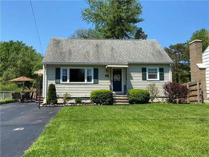 Residential Property for sale in 207 Richardson Drive, North Syracuse, NY, 13212