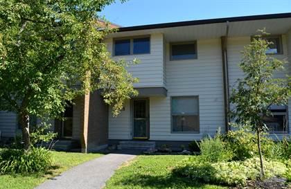 Condominium for sale in 28 Carmichael Court, Ottawa, Ontario