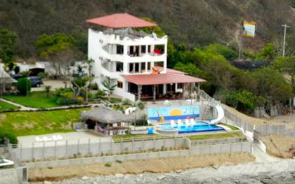 Residential Property for sale in Stunning Oceanfront Family Compound in La Entrada, B&B, Boutique Hotel Potential. Cod. LE-SHE, La Ent, Santa Elena