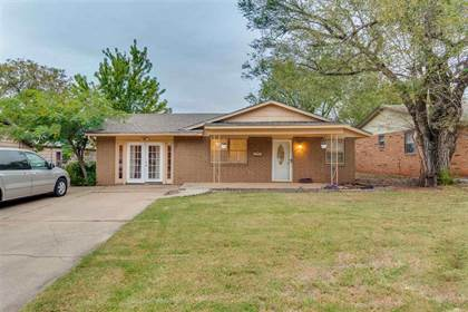 Residential Property for sale in 221 W Kansas St, Walters, OK, 73572