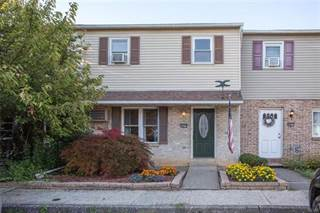 Townhouse for sale in 5675 Greens Drive, Lower Macungie, PA, 18106