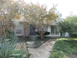Townhouse for sale in 13704 Flagstone Lane, Dallas, TX, 75240