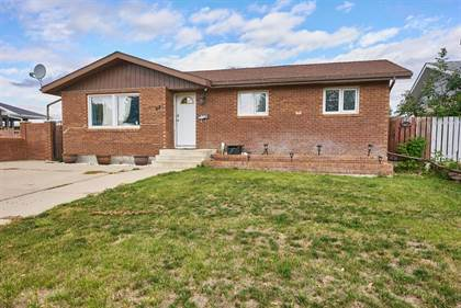 Residential Property for sale in 62 Heather Road N, Lethbridge, Alberta, T1H 4L4