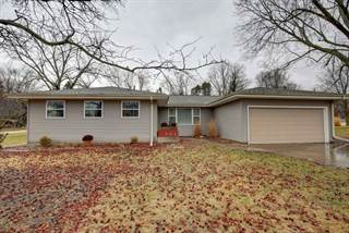 Single Family for sale in 302 Pershing Court East, Philo, IL, 61864