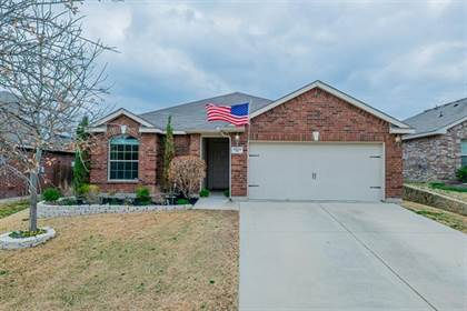 Residential for sale in 1033 Long Pointe Avenue, Fort Worth, TX, 76108