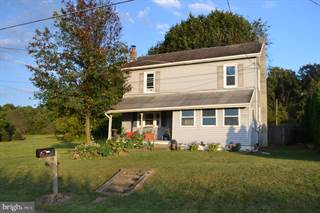 Single Family for sale in 9502 LONGSWAMP ROAD, Lower Macungie Township, PA, 18011