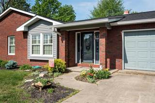 Single Family for sale in 1100 Sunset Drive, McLeansboro, IL, 62859
