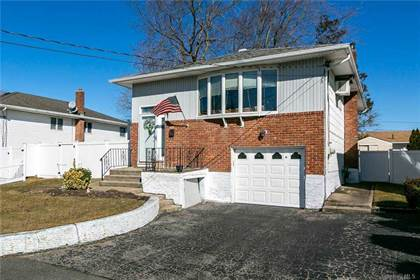 Residential Property for sale in 31 9th Avenue, Farmingdale, NY, 11735