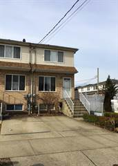 Townhouse for sale in 210 Maple Parkway, Staten Island, NY, 10303