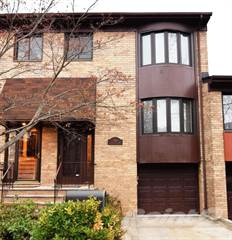 Townhouse for sale in 46 Claradon Lane, Staten Island, NY, 10305