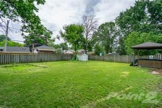 Residential Property for sale in Updated In Elizabeth Gardens, Burlington, Ontario, L7L 1N1