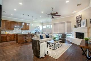 Townhouse for sale in 14759 Stanford Court, Dallas, TX, 75254