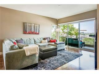 Condo for sale in 11815 Laurelwood Drive 18, Studio City, CA, 91604
