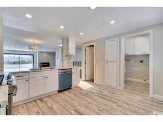 Townhouse for sale in 7306 Alicante Road 7, Carlsbad, CA, 92009
