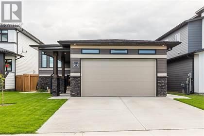 Single Family for sale in 922 Atlantic Cove W, Lethbridge, Alberta, T1J5M4