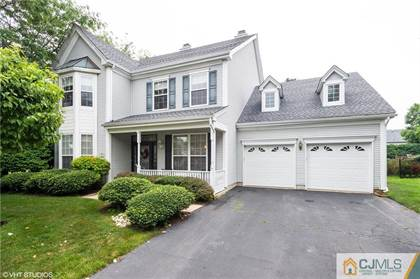 Residential Property for sale in 602 Robert Circle, Metuchen, NJ, 08840