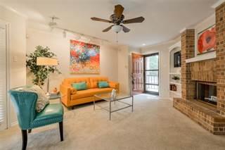Condo for sale in 16301 Ledgemont Lane 262, Addison, TX, 75001
