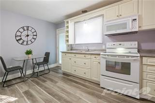Residential Property for sale in 2 EAST HAMPTON Road, St. Catharines, Ontario, L2T 3E1