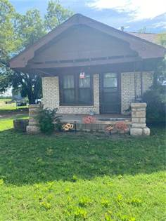 Residential for sale in 426 S First Street, Mountain View, OK, 73062