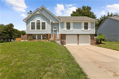 Residential Property for sale in 2300 NE Bridgeport Drive, Lee's Summit, MO, 64086