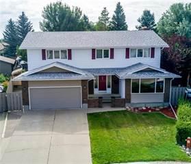 Residential Property for sale in 39 Eton Road W, Lethbridge, Alberta