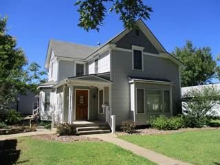 Single Family for sale in 213 S Jefferson St, Hillsboro, KS, 67063