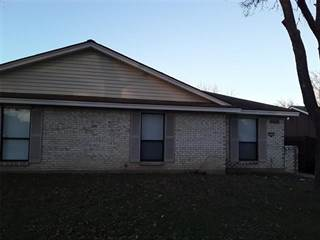 Duplex for rent in 2733 Meadow Gate Ln, Dallas, TX, 75237