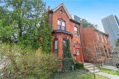 Multifamily for sale in 146 FOREST Avenue, Hamilton, Ontario, L8N 1X5
