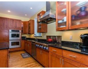 Condo for sale in 69 Fordham Rd 69, Newton, MA, 02465