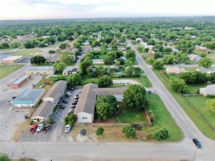 Multifamily for sale in 1222 Brazos Street, Graham, TX, 76450