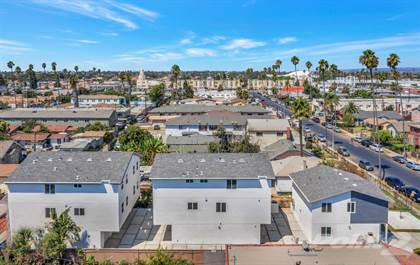 Multi-family Home for sale in 826 W. 80th St., Los Angeles, CA, 90044