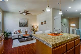 Townhouse for sale in 37090 Dusterberry Way 9, Fremont, CA, 94536