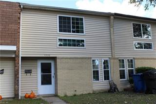 Townhouse for sale in 5720 Morningside Court, Virginia Beach, VA, 23462