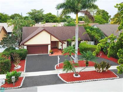 Residential Property for sale in 2400 NW 102nd Way, Pembroke Pines, FL, 33026