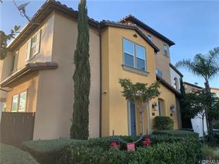 Townhouse for sale in 16907 Airport Circle 103, Huntington Beach, CA, 92649