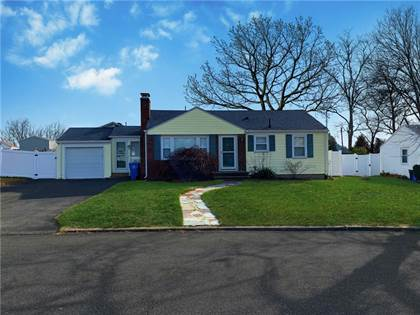 Residential Property for sale in 180 Plantation Drive, Cranston, RI, 02920