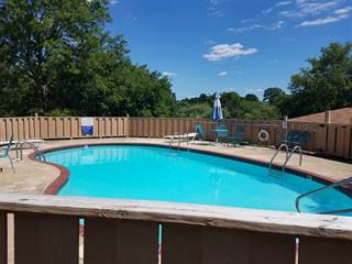 Townhouse for sale in 1100 WOODLAWN 17  (E-1), Hot Springs, AR, 71913