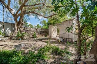 Residential Property for sale in VILLA PECESITOS LARGE FIXER UPPER FOR SALE MERIDA CENTRO, Merida, Yucatan