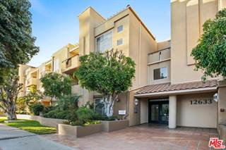 Condo for sale in 12633 MOORPARK Street 208, Studio City, CA, 91604