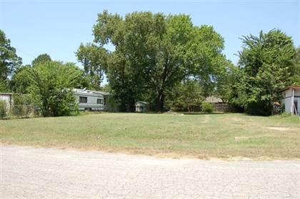 Lots And Land for sale in 4606 Oak Creek Drive, Arlington, TX, 76017