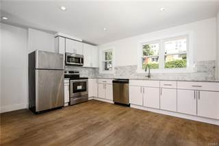 Townhouse for sale in 4128 Murdock Avenue, Bronx, NY, 10466
