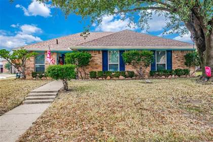 Residential for sale in 5216 Stagetrail Drive, Arlington, TX, 76017